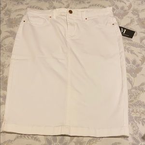 BLANKNYC white denim stretch skirt 29